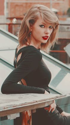Photos Of Taylor Swift, All About Taylor Swift, Taylor Swift Fan, Taylor Alison Swift, Miss Americana, Gay Aesthetic, Louis Tomilson, Red Taylor, Metal Girl