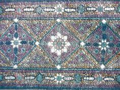 gartenidee mit kombination von stein und mosaik