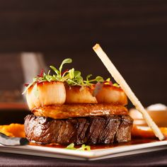 Surf and turf of beef, foie gras and scallops – Manger Conception Seafood Recipes, Gourmet Recipes, Beef Recipes, Cooking Recipes, Surf And Turf, Foie Gras, Food Plating Techniques, Bistro Food, Weird Food