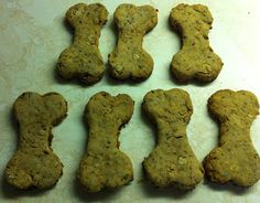You can choose in between cooked canine food or raw dog food. Each has its own perks. However what matters more is the quality of ingredients you'll be putting in them. Dog Cookie Recipes, Homemade Dog Cookies, Dog Biscuit Recipes, Homemade Dog Food, Dog Treat Recipes, Dog Food Recipes, Chicken For Dogs, Pumpkin Dog Treats, Dog Biscuits