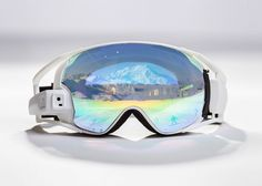 RideOn has launched an Indiegogo campaign for the world's first true augmented reality ski goggles for skiing and snowboarding. Ski Et Snowboard, Snowboarding, Skiing, Ski Googles, Intro Youtube, Blink Of An Eye, Wearable Technology, Digital Trends, Display Technologies