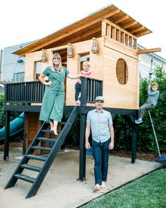 15 of our favorite modern outdoor playhouses Layer Cakelet) - Kids Backyard Modern Playhouse, Backyard Playhouse, Playhouse Plans, Outdoor Playhouse For Kids, Kids Playhouse With Slide, Kids Playset Outdoor, Backyard Fort, Backyard Playground, Backyard For Kids