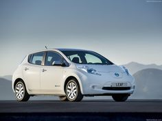 Nissan LEAF Side