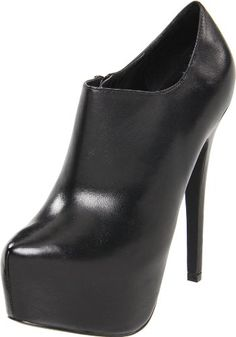 Steve Madden Women's Vippper Pump... Totally own these. Great addition to my collection