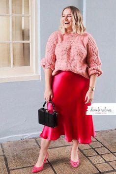 Colori analoghi per rendere il tuo look unico e speciale. Disegna il tuo stile Daniela Salinas Style Coach www.danielasalinas.com seguimi su instagram dsfashionbook Curvy Fashion, Fashion Looks, Midi Skirt, Skirts, Style, Instagram, Swag, Midi Skirts, Skirt