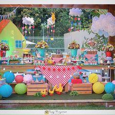 Tema: Piquenique da família Pig !  Projeto e decoração @laprovenceitz / Doces…
