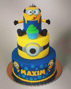 Zâmbet și bună dispoziție pentru orice copilaș! #Dulcinella #cake #surpriza #minions