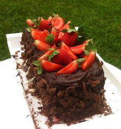 Chocorango: Bolo de chocolate com brigadeiro e morango