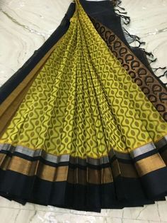Silk cotton saree from shiny pleats