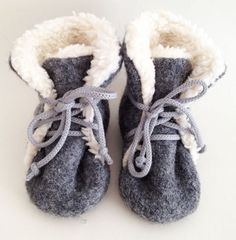 Warme Schurwoll-Stiefeletten mit Bio-Teddyfutter von rikiki-kids auf DaWanda.com