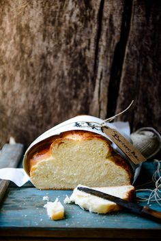 Brioche, like a cloud. Our mother used to bake this. Bread Recipes, Cooking Recipes, Cooking Tips, Breakfast Desayunos, Bread Bun, Braided Bread, Our Daily Bread, Bread And Pastries, Artisan Bread