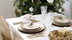 Heb jij veel goud in je kerstboom en interieur? Dan mag het ook op je kersttafel! De kerst tafel dekken met veel goud: foto's & tips ter inspiratie.