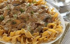 Cabot updated your moms boring beef stroganoff with a Greek Yogurt Sauce, bella mushrooms & paprika. Try this fresh new take a classic beef stroganoff recipe now! Ww Recipes, Greek Recipes, Cooking Recipes, Healthy Recipes, Recipies, Healthy Meals, Healthy Food, Healthy Beef Stroganoff, Stroganoff Recipe