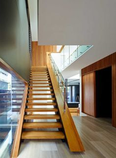 Shaun Lockyer Architects have designed Palissandro, a two-storey house located in Brisbane, Australia.