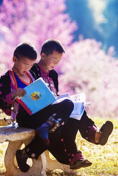 Teach your children to #read www.digiwriting.com Children of Chiang Mai, Thailand
