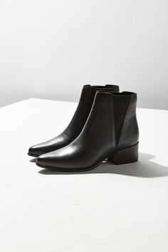 Pola Leather Chelsea Boot by Urban Outfitters $98