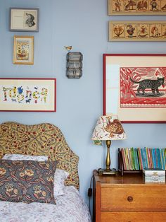 4 Kids' Room Decorating Ideas to Steal from a New British Design Book Bedside Table Lamps, Dining Nook, Comfortable Sofa, Home Decor Styles, Decoration, Sweet Home, New Homes, Room Decor, Interior Design