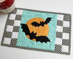 http://thepatchsmith.blogspot.com/2016/07/one-block-mug-rugs.html