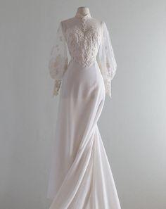 Long Wedding Dresses, Bridal Dresses, Wedding Gowns, Prom Dresses, Old Fashioned Wedding Dresses, Ethereal Wedding Dress, Elegant Dresses, Pretty Dresses, Beautiful Dresses
