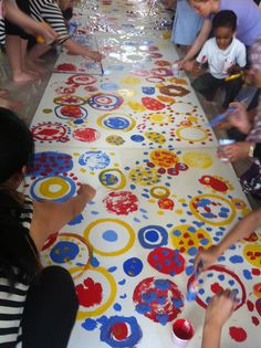 School children taking part in collaborative art project at Archway Methodist Church with Hervé Tullet