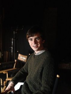 Check out the psychotically riveting ep our Norman wrote tonight Congratulations, Freddie! Freddie Highmore, People Like, Pretty People, Good Doctor Series, Shaun Murphy, Max Thieriot, Ryan Thomas, Declan Mckenna, Norman Bates