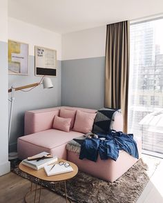 The perfect reading corner in one of our favourite #London hotels. #MRPORTERontheroad @miansai @thombrowneny @cleverlylaundry @masterdynamic @maisonmargiela