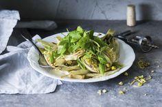 Lämmin fenkolisalaatti Asparagus, Vegetables, Food, Studs, Essen, Vegetable Recipes, Meals, Yemek, Veggies
