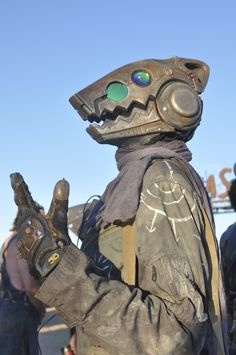 Postapocalyptic Partiers Get Dirty in the Desert at Wasteland Weekend 2016 Character Art, Character Design, Post Apocalyptic Costume, Wasteland Weekend, Masks Art, Inspirational Artwork, Post Apocalypse, Fursuit, Sci Fi Art