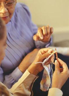Cómo tejer calcetines en crochet para principiantes   eHow en Español