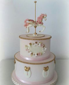 Carousel cake for a firs birthday! So elegant and beautiful! Pretty Cakes, Cute Cakes, Beautiful Cakes, Carousel Birthday Parties, Baby Birthday Cakes, Torta Baby Shower, Fondant Cakes, Cupcake Cakes, Carousel Cake