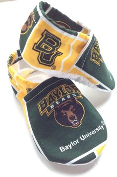 Baylor Cloth Baby Booties Shoes // So their first steps start with Baylor. #SicEm