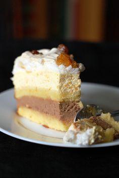 Orange, Chocolate and Crunchy Meringue Cake Best Cake Flavours, Cake Flavors, Sweet Recipes, Cake Recipes, Dessert Recipes, Chocolate Orange, Chocolate Cream, Romanian Desserts, Meringue Cake