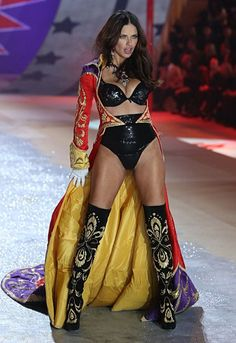 Adriana Lima<br> The themes, musicians, and of course, the models(!), in this year's Victoria's Secret Fashion Show. Victoria Secrets, Show Victoria Secret, Modelos Victoria Secret, Adriana Lima Victoria Secret, Victorias Secret Models, Victoria Secret Wings, Victoria Secret Outfits, Vs Fashion Shows, Look Fashion
