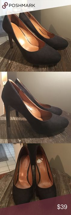 banana republic: sexy black heels! 🍸 in good used condition with a few small flaws. worn only a handful of times. upper feels like soft suede but it isn't. make an offer! Banana Republic Shoes Heels
