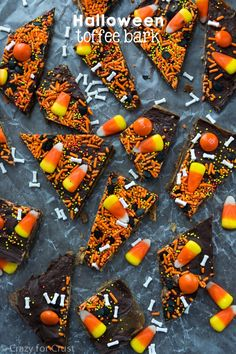 Halloween Graham Cracker Toffee Bark is so fun to make and eat!