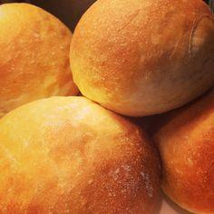 How do I make Bread Rolls? - What Would Nigella Do? British Baking Show Recipes, British Bake Off Recipes, Great British Bake Off, Paul Hollywood Bread Rolls, Crusty Rolls, Dinner Rolls Recipe, Bun In The Oven, Bread Bun, Yeast Bread