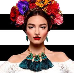 Discover recipes, home ideas, style inspiration and other ideas to try. Flower Headdress, Floral Headpiece, Frida Kahlo Costume, Mexican Fashion, Creative Portraits, Colorful Fashion, Flower Crown, Look Fashion, Dress Up