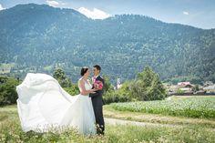 Edle und Natürliche Hochzeitsfotografie Mountains, Wedding Dresses, Nature, Travel, Wedding Photography, Bride Dresses, Viajes, Bridal Wedding Dresses, Weeding Dresses