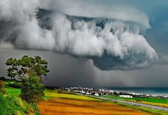 Supercell Thunderstorm over Ancona, Italy. These storms can produce violent tornadoes and several tornado events at once. The secret of the ability of a supercell thunderstorm to produce a tornado is in the updraft. All Nature, Science And Nature, Amazing Nature, Amazing India, Weather Cloud, Wild Weather, Beautiful Sky, Beautiful World, Simply Beautiful