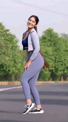 Female Fitness Motivation Instagram Viral Fit Girl Priyanka Vitamin D Deficiency, Muscle Weakness, Natural Sunscreen, Female Fitness, Fitness Nutrition, Cholesterol, Dark Skin, Gym Workouts, Fit Women