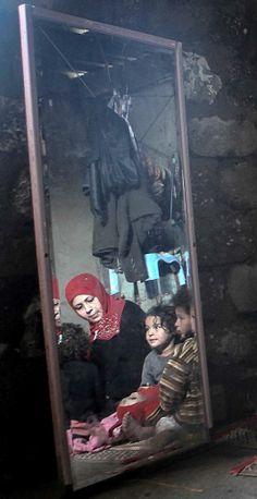 Shedding light on peoples' lives in Gaza Strip