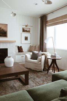 Cozy Living Rooms, Home Living Room, Living Room Designs, Living Room Decor, Living Spaces, Cottage Living, Living Room Inspiration, Home Decor Inspiration, Decor Ideas