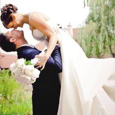 The Most Popular Wedding Photos   BridalGuide