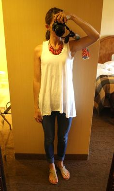 Great mom outfit - statement necklace, flowy tank, skinny jeans and sandals....totally have this!! so cute! Although, I don't have blue jean skinny's anymore...need to get a new pair!