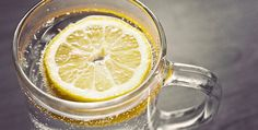 This 3 drinks are more effective than lemon water for losing weight. Starting the day with a glass of lemon-infused water has become Water Recipes, Raw Food Recipes, Health Recipes, Juice Recipes, Clean Recipes, Drink Recipes, Weight Loss Drinks, Weight Loss Smoothies, Lemon Water Weight Loss