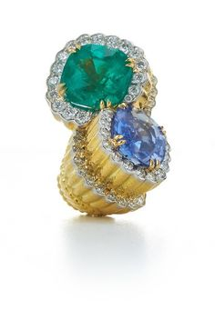 DAVID WEBB Cross River Collection Couture - Crossover Ring - Cushion-cut emerald and sapphire, brilliant-cut diamonds, textured 18K gold, and platinum (=)