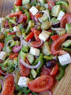 Mediterranean Chop-Chop Salad Mediterranean Chop-Chop Salad – Clean Food Crush More from my siteMediterranean Pasta Salad Mediterranean Pasta Salad Hosting an Awards Party? Make this healthy bowtie pasta salad Clean Eating Salate, Clean Eating Diet, Healthy Eating, Clean Eating Vegetarian, Eating Habits, Healthy Food, Mediterranean Diet Recipes, Mediterranean Dishes, Mediterranean Diet Breakfast
