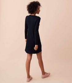 Shop Lou & Grey women's clothing for a comfortably confident life. You'll love our easy Lou & Grey Signaturesoft Dress - shop louandgrey.com today!
