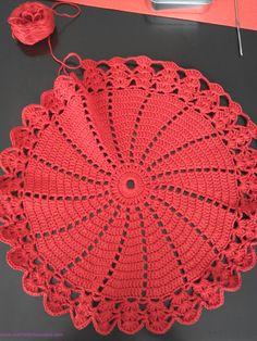 tapete rojo http://www.crochetenlasnubes.com/?p=1345 www.crochetenlasnubes.com