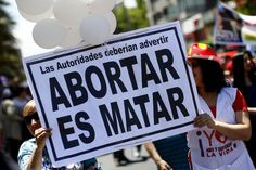 Gran cantidad de personas estan contra de este acto, ya es considerado como asesinato y un acto inhumano. #campaña #mujerescontraelaborto